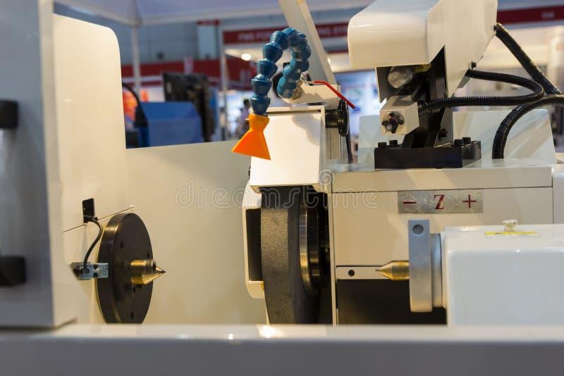 duża precyzja mleje CNC maszynę zdjęcia royalty free