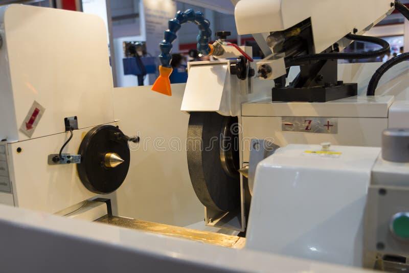 duża precyzja mleje CNC maszynę zdjęcia stock
