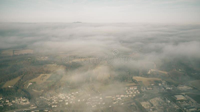 Duża wysokość widok z lotu ptaka Umbria region blisko Terni na chmurnym dniu, Włochy fotografia stock