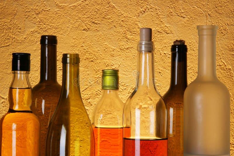 dużo butelki alkoholu obrazy royalty free