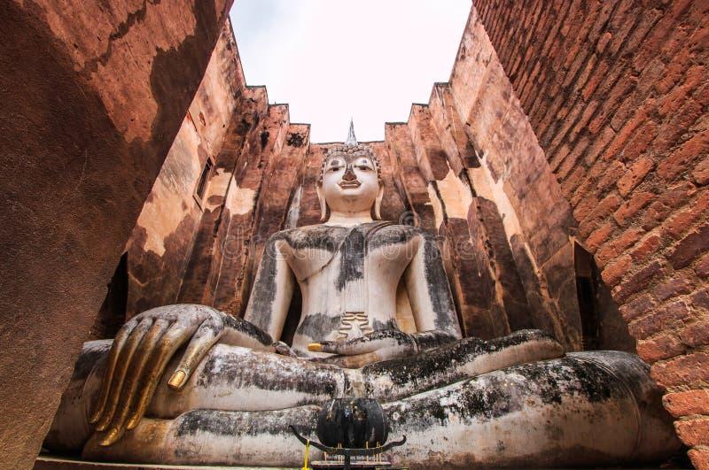 Duży Buddha przy Sukhothai dziejowym parkiem, Tajlandia zdjęcia stock