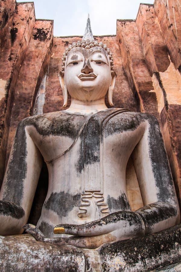 Duży Buddha przy Sukhothai dziejowym parkiem, Tajlandia obraz royalty free