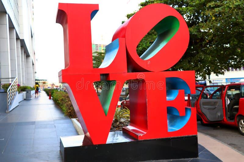 Duży czerwony miłość znak - Kot Kinabalu Sabah Borneo Malezja Azja zdjęcie royalty free