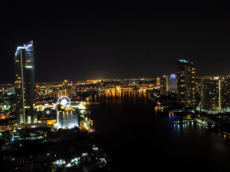 Duży miasta pojęcie Powietrznej piękna światła mieszkana Azja Targowego miasteczka słońca Hotelowej Miastowej Jarzeniowej nadziei zdjęcia royalty free
