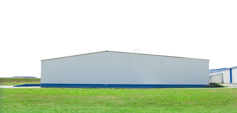 Duży przemysłowy budynek na bielu obrazy royalty free