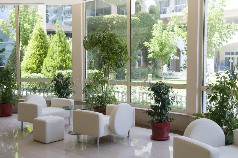 duży wewnętrzny luksusowy okno obrazy stock