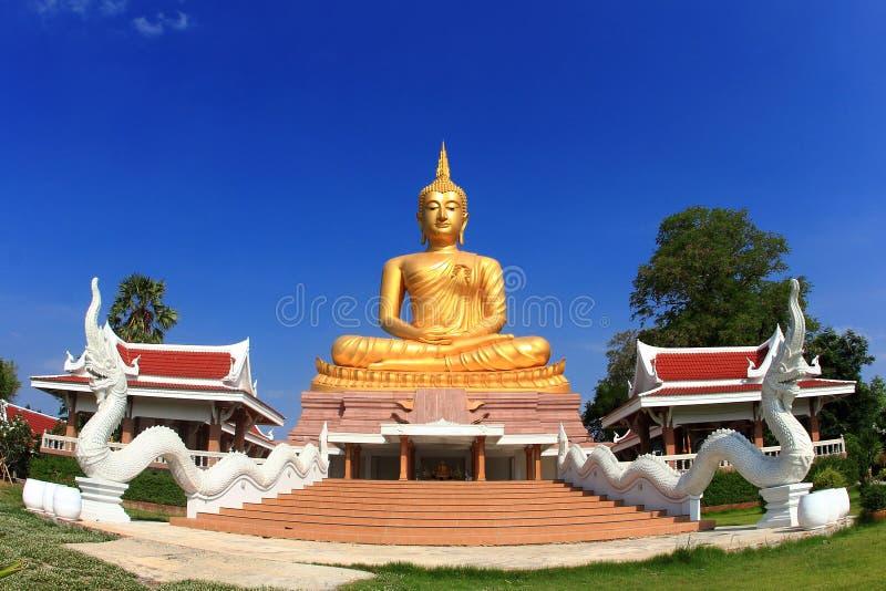Duży złoty Buddha wizerunek obraz royalty free