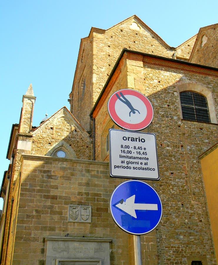Du är inte tillåten att falla ner i Rome fotografering för bildbyråer