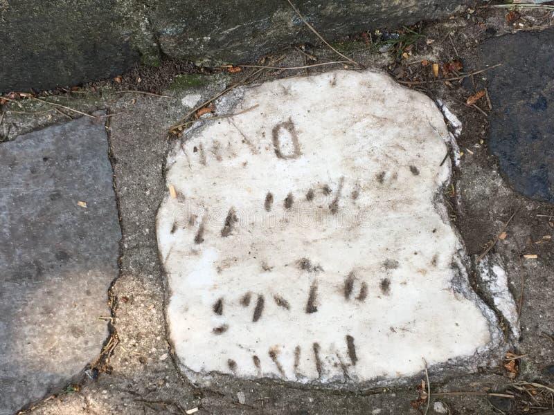 Du pavé topiaire de pierre tombale de cimetière, 7 photographie stock