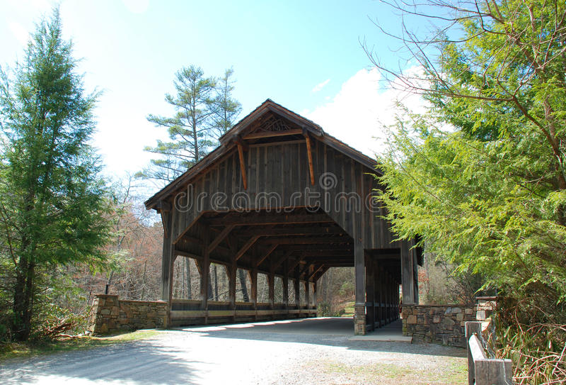 Du Pont Forest Covered Bridge imagens de stock royalty free