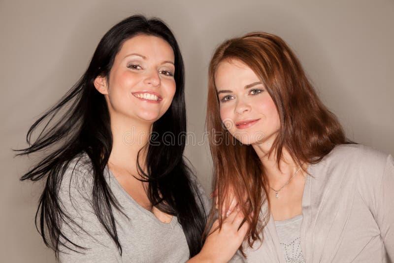 Duas amigas bonitas foto de stock royalty free