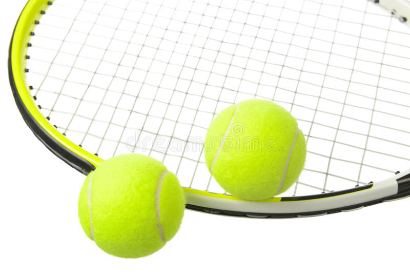 Duas bolas e raquetes de tênis imagens de stock