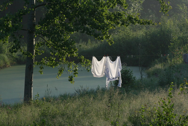 Duas camisas brancas foto de stock