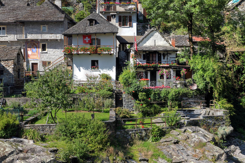 Download Casas Em Ticino, Switzerland Foto de Stock - Imagem de país, histórico: 29835882