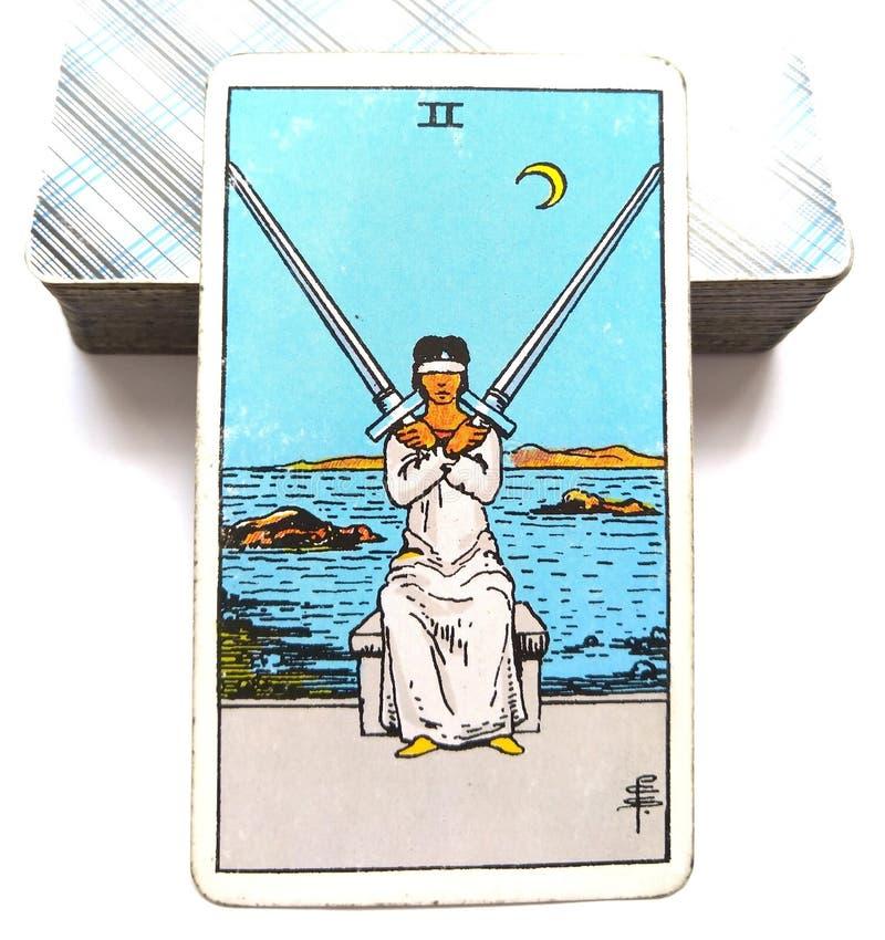 Duas das decisões mentais do cartão de tarô da espada fatigantes/decisões dolorosas cruzam finalidades ilustração do vetor