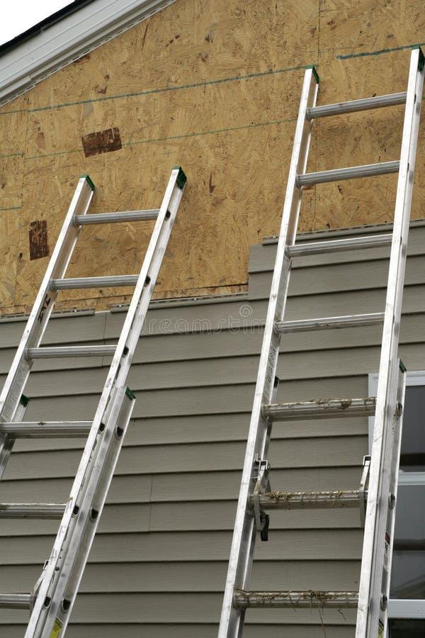 Duas escadas foto de stock