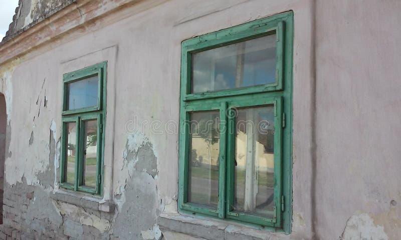 Duas janelas imagem de stock