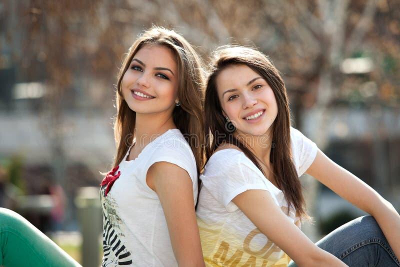 Duas meninas foto de stock