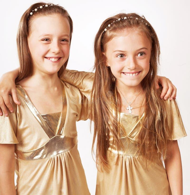 Duas meninas louras pequenas imagens de stock