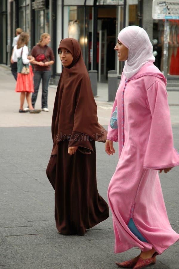Duas meninas muçulmanas fotos de stock royalty free