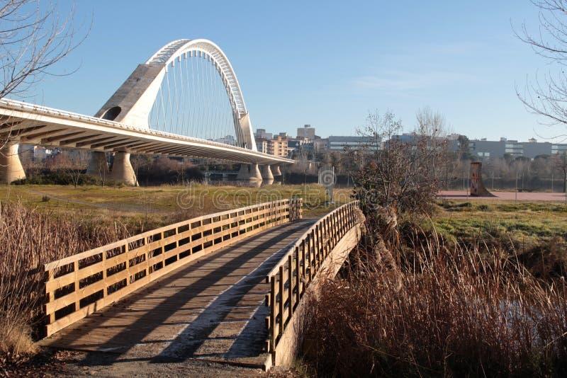 Duas pontes no mesmo sentido fotos de stock
