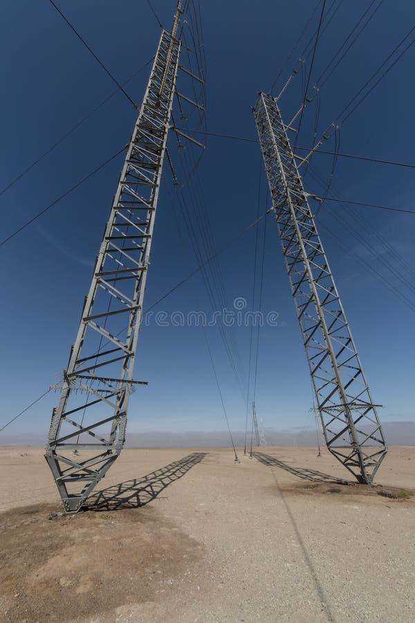 Duas torres da transmissão imagens de stock
