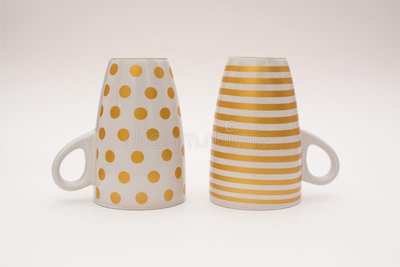 Duas xícaras de café revolvidas imagens de stock