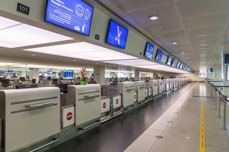Dubaï, EAU - 2 avril 2019 Secteur vide d'enregistrement à l'aéroport international de DXB images stock