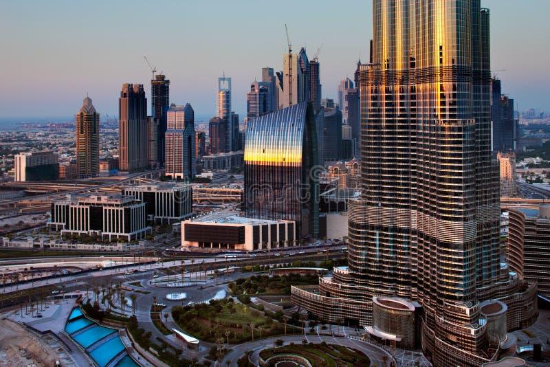 Dubaï est devenu notoire comme terrain de jeu pour des architectes images libres de droits