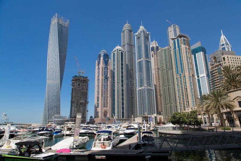 Dubai 2012 arabskich gromadzkich emiratów maszerują marina fotografię brać jednoczącą obrazy stock
