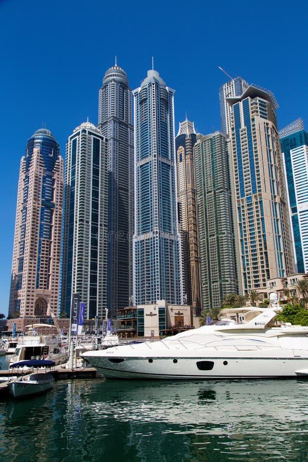 Dubai 2012 arabskich gromadzkich emiratów maszerują marina fotografię brać jednoczącą zdjęcie royalty free