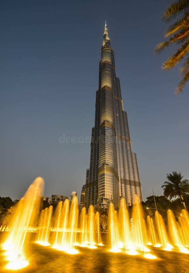 Dubai Burj Khalifa na noite foto de stock