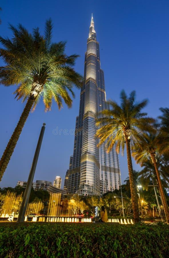 Dubai Burj Khalifa na noite fotografia de stock royalty free