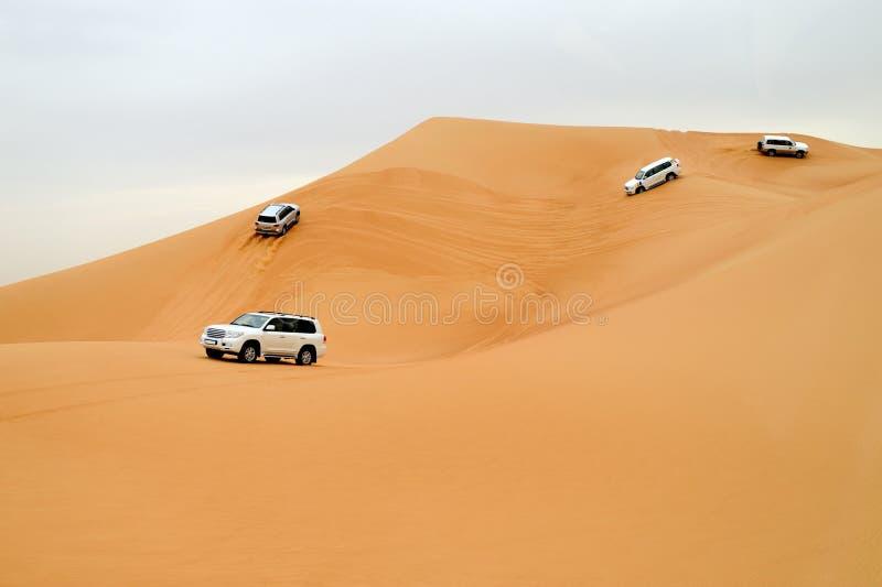 Dubai. Condução do deserto imagens de stock royalty free