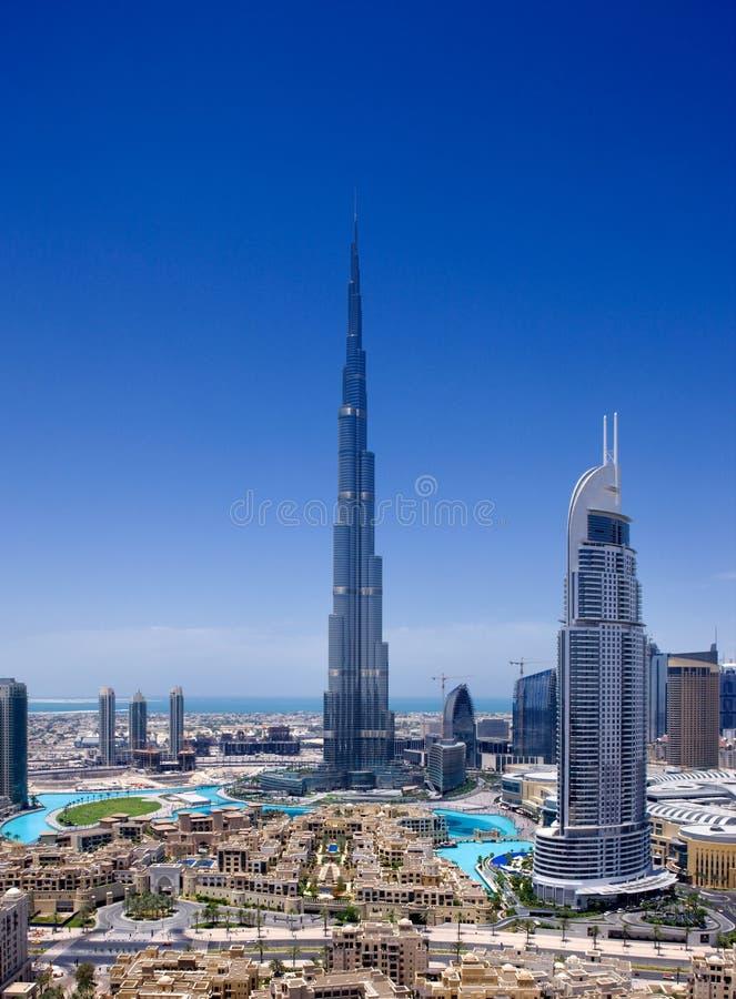Dubai da baixa com o Burj Khalifa e Dubai Fou imagem de stock royalty free
