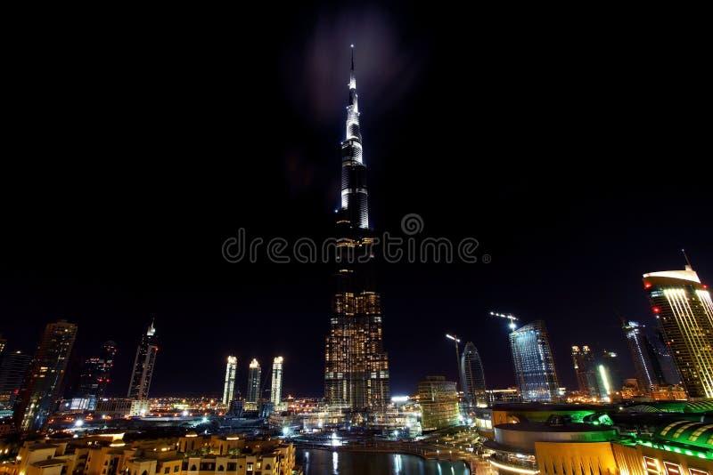 Dubai da baixa na noite imagem de stock