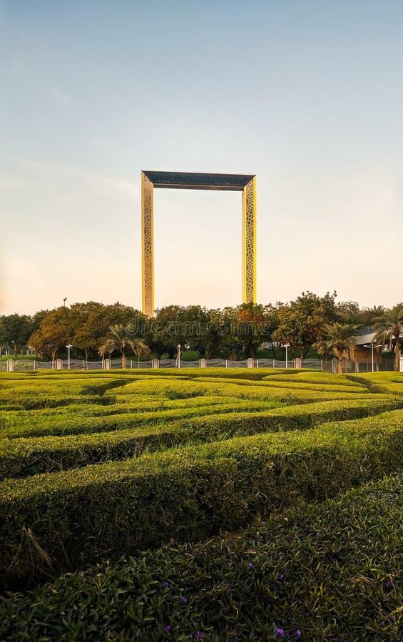Dubai, Emiratos Árabes Unidos, o 11 de fevereiro de 2018: Buil do quadro de Dubai imagens de stock royalty free