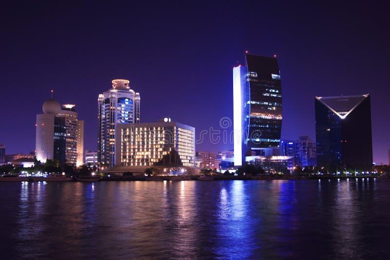 Dubai en la noche, United Arab Emirates fotos de archivo libres de regalías