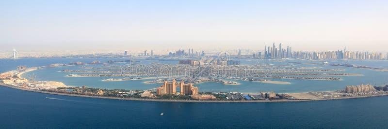 Dubai för Atlantis för gömma i handflatanJumeirah ö marina ae för panorama hotell royaltyfria foton