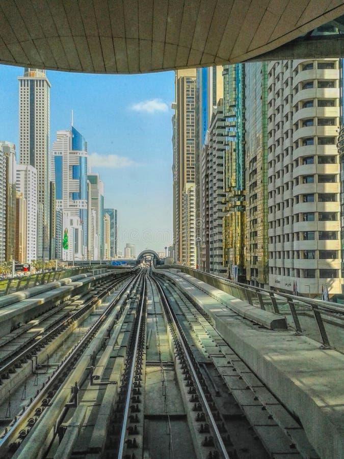 Dubai gångtunneldrev royaltyfri bild