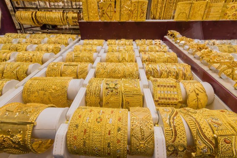 Dubai guld- souk i Deira arkivfoto