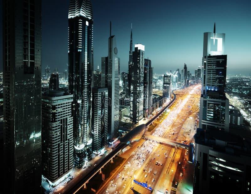Dubai horisont i solnedgångtid, UAE royaltyfri fotografi
