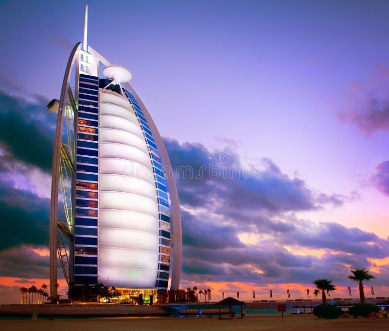 Dubai. Hotel do árabe do Al de Burj fotografia de stock