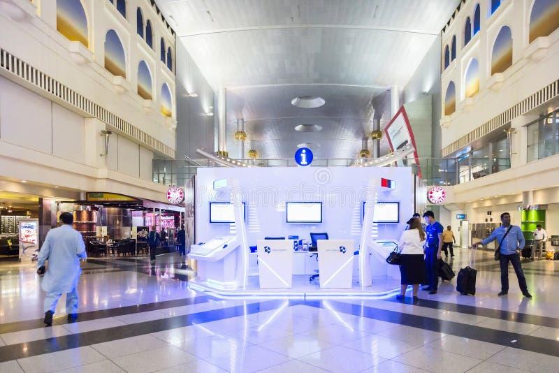 DUBAI INTERNATIONAL lotnisko 9 Marzec 2015 zdjęcie stock