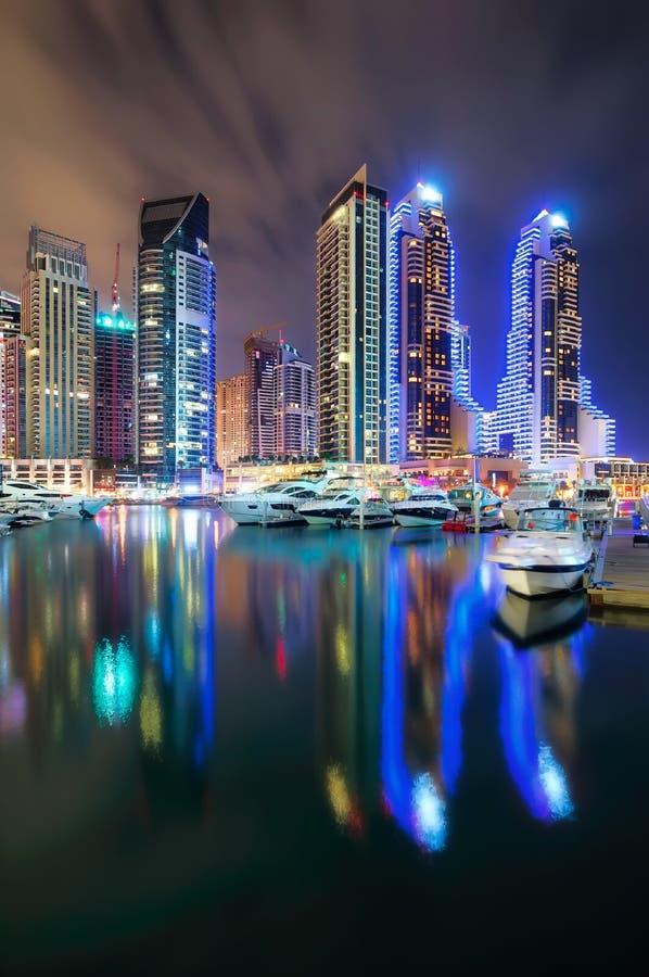 Dubai-Jachthafenskyline, Dubai, Vereinigte Arabische Emirate lizenzfreie stockbilder
