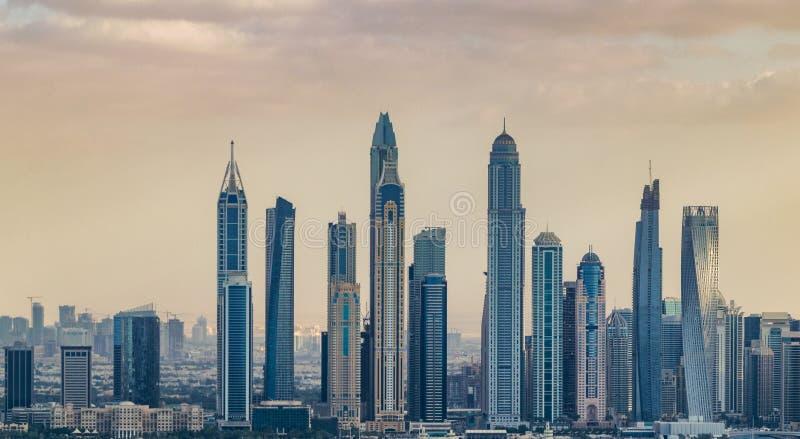 Dubai-Jachthafenstadtskyline vom Hubschrauber, Vereinigte Arabische Emirate lizenzfreie stockfotografie