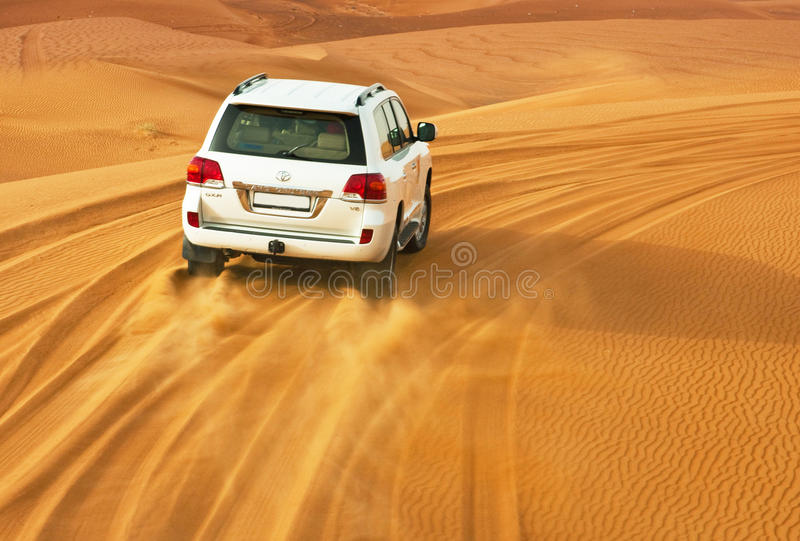 Download DUBAI - JUNE 2: Driving On Jeeps Editorial Photography - Image: 31893707