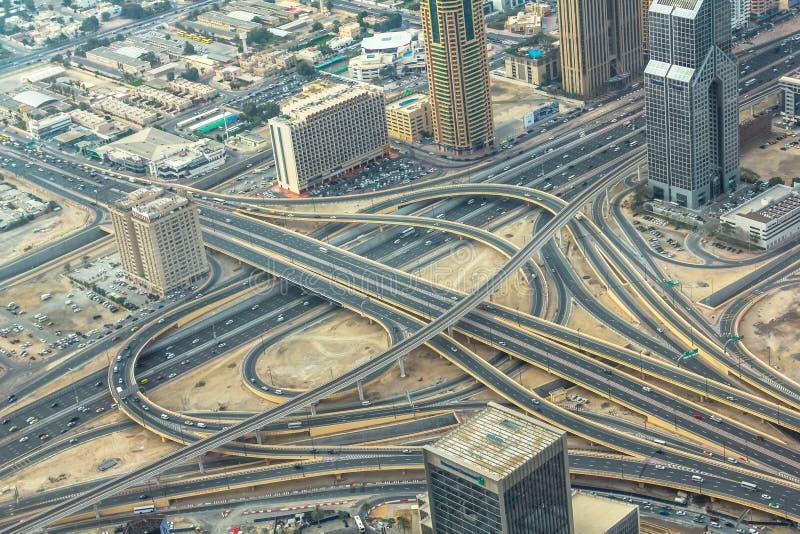 Dubai-Landstraßenaustausch lizenzfreie stockfotografie