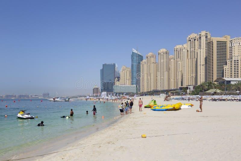Dubai - los hoteles del puerto deportivo de la playa fotos de archivo libres de regalías