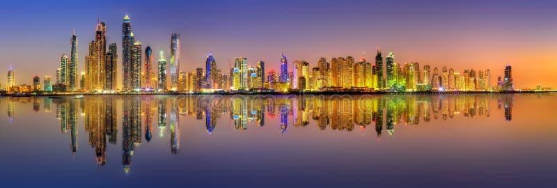 Dubai marinafjärd, UAE fotografering för bildbyråer